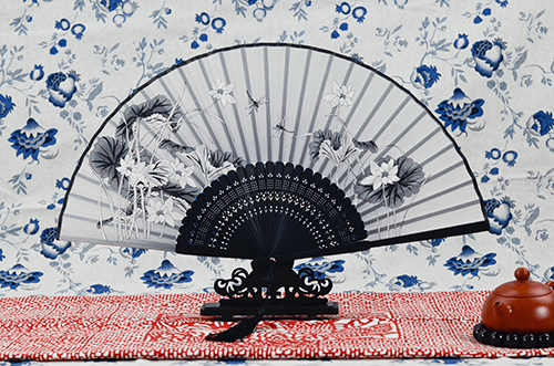 Rong Ai Knife Silk Fans Black Peony 1
