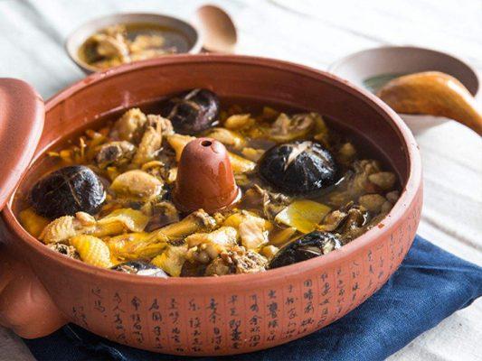 rongai knife dianxi xiaoge Jianshui purple pottery Steam Pot Chicken